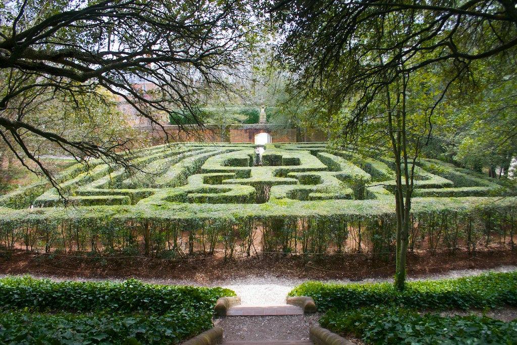 """""""Garden Maze"""" by Wes A 2013 CC BY-SA 2.0"""